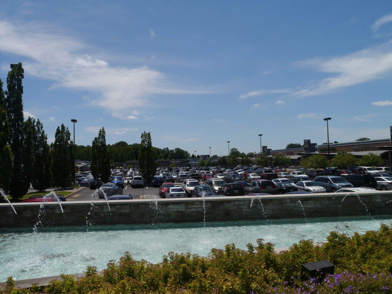 Niagara Falls Outlet Mall