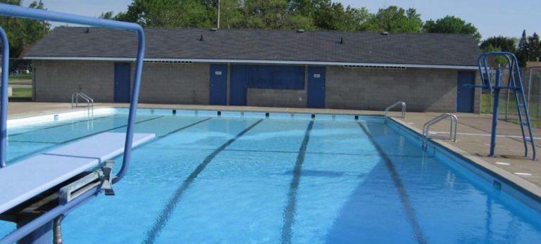 Niagara Falls Fun For Kids List Of Splash Pads And Outdoor Swimming Pools