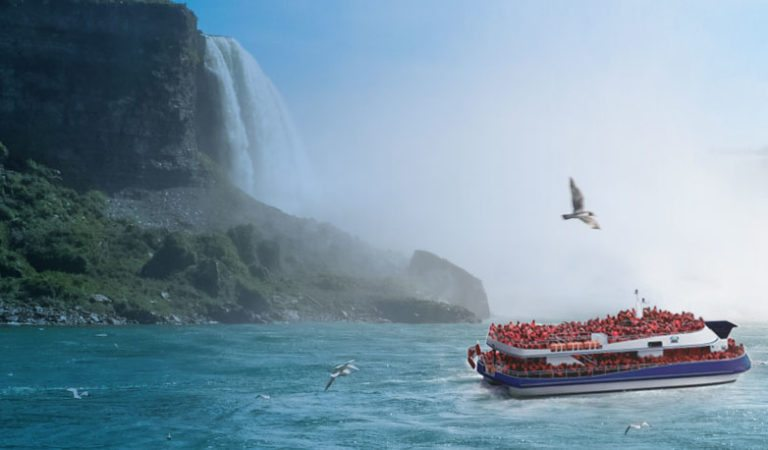 Voyage Into History of the Niagara Falls Boat Tours