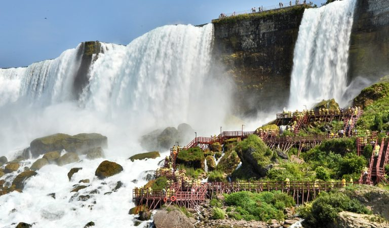 10 Favorite Places To Get Wet In Niagara Falls