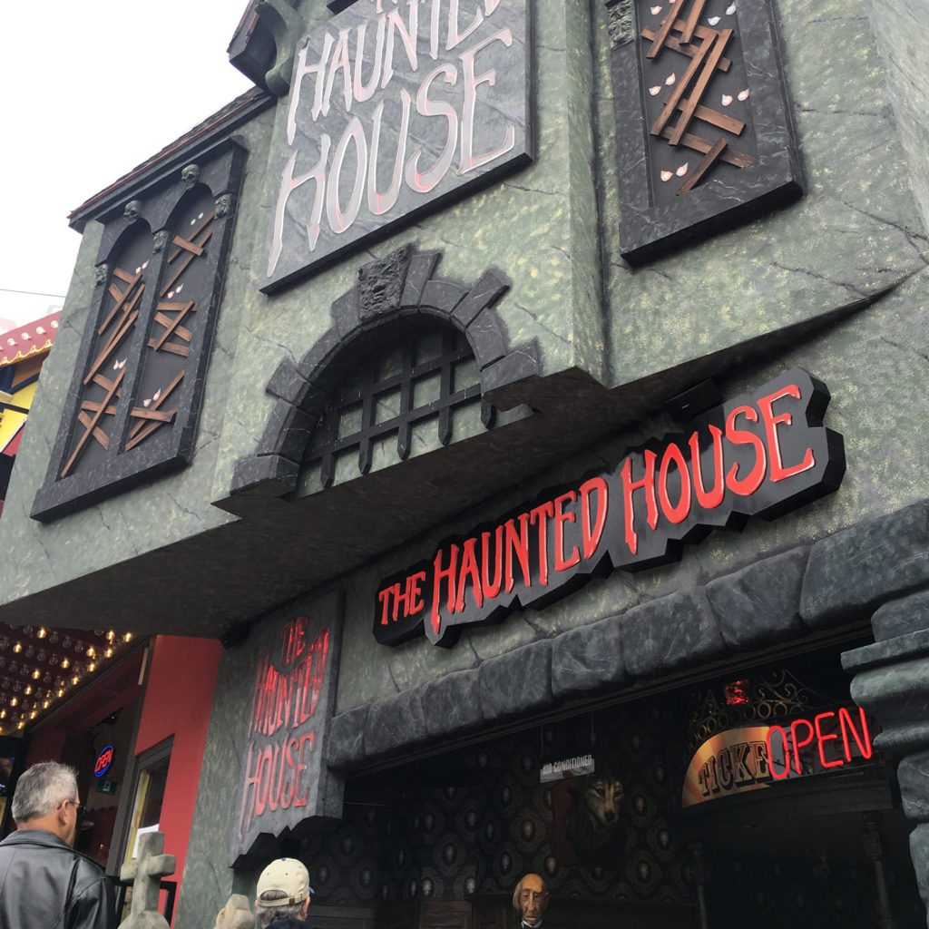 """Scary"" things to do on Clifton Hill"