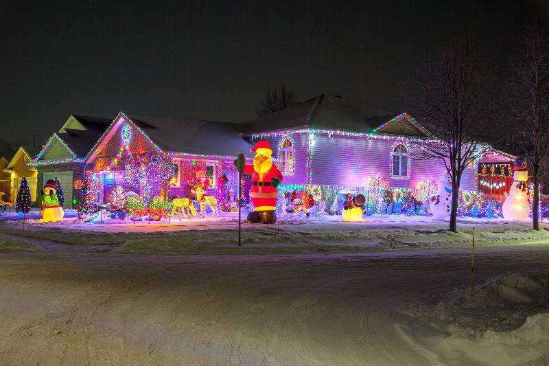 """The Winter Festival of Lights will hold another """"Sparkle Lighting Award""""  contest, which recognizes the """"best"""" lit residential, multi-residential and  ... - Winter Festival Of Lights In Niagara Falls"""