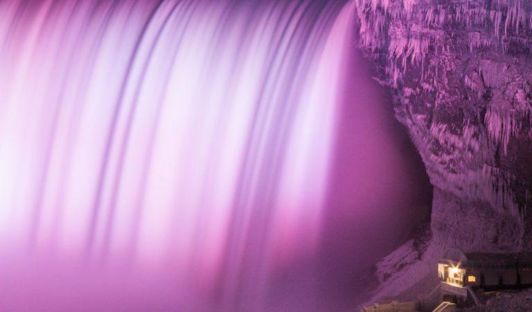 20 Breathtaking Frozen Niagara Falls Photos